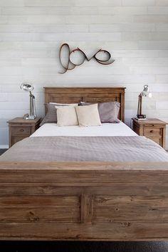 Plakhout Zand Linnen 70% PEFC pak á 1,28m2 - Plakhout op de muur in de slaapkamer