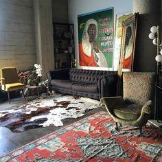 A tour of Emily Ratajkowski's apartment.
