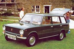 would lovee to have this car (Lada i first saw it on parenthood, amber had an orange one! so coolI would lovee to have this car (Lada i first saw it on parenthood, amber had an orange one! Retro Cars, Vintage Cars, Fiat Abarth, Best Classic Cars, Car Advertising, Old Cars, Cars And Motorcycles, Mercedes Benz, Volkswagen