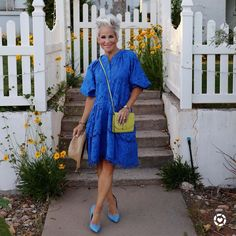 A blue inspired look for women | Photo by Shauna (@chicover50) | For more style inspiration visit 40plusstyle.com