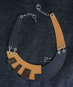 #ecodesign #handmade #recycledleather #collar #necklace by #lapezzaacolori #collana #artigianale #in #pelle di #riciclo #designjewels #leathercreations #leatherjewelry #unconventionaljewels #fashion