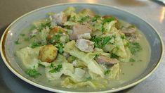Hellstrøms fårikål og sjokoladekake med vaniljesaus Feta, Potato Salad, Potatoes, Cheese, Ethnic Recipes, Potato