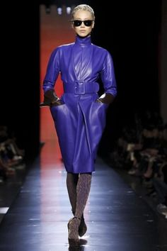 Discover NOWFASHION, the first real time fashion photography magazine to publish exclusive live fashion shows. Couture Fashion, Runway Fashion, Live Fashion, Fashion Show, Paris Shows, Couture Collection, Jean Paul Gaultier, Fashion Photography, Fall Winter