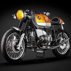 """lemoncustommotorcycles: """"BMW R100RS café Racer #bmw #bmwr100 #r100 #r100rs #caferacer #caferacers #caferacerstyle #oldschool #oldschoolmotorcycle #motorcycle #motorcyclecaferacer #vintage #vintagemoto #vintagemotorcycle #retromoto #retrobike..."""