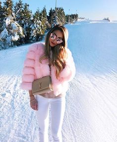 Winter Outfit Yay ? via @fashion.luxxuriess ❄️ by @caro_e_