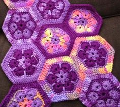 Bizzy Crochet: African Flower Afghan