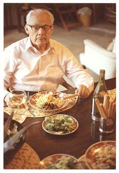 Citation: Antonio Sotomayor dining on paella, 1983 / Grace Sotomayor, photographer. Antonio Sotomayor papers, Archives of American Art, Smithsonian Institution.