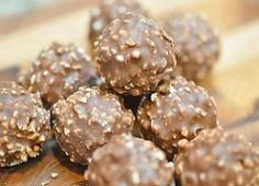Ferrero rocher- My favourite chocolate SINCE forever. I expect this chocolate from my friends next yr- EXPECT! Köstliche Desserts, Delicious Desserts, Dessert Recipes, Yummy Food, Plated Desserts, Baking Recipes, Candy Recipes, Sweet Recipes, Healthy Recipes