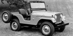 Jeep also introduced the first-generation Grand Cherokee SRT which did not have off-road features but was more useful for on-road performance. Wrangler Jeep, Jeep Wranglers, Jeep Rubicon, Jeep Willys, Willys Wagon, Jeep Jeep, Jeep Truck, Station Wagon, Jeep Vintage