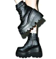 Wellington boots hunter chunky heels zapatos,clogs shoes dansko pointed shoes tips,over the knee high boots canvas boots. Dr Shoes, Sock Shoes, Cute Shoes, Me Too Shoes, Shoe Boots, Ankle Boots, Heeled Boots, Goth Platform Boots, Platform High Heels