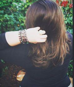 Qual seu tipo preferido de cabelo? O meu é o que brilha, que tá forte, saudável... ✨  Não importa se é liso ou cacheado, claro ou escuro, curto ou comprido, o que importa, pra mim, é que seja cheio