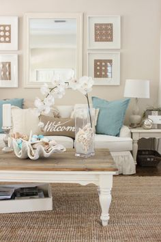 nice 99 Gorgeous Coastal Living Room Decorating Ideas https://homedecort.com/2017/04/gorgeous-coastal-living-room-decorating-ideas/