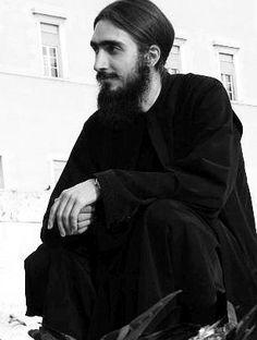 Trebuie să avem OCHI care să vadă ce este mai BUN, și INIMĂ care să IERTE ce este mai rău – Părintele Hrisostom Filipescu
