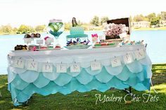 Love that scalloped table cloth for parties