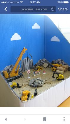 Site Diorama Construction site small world for kids. Can I play?Construction site small world for kids. Can I play? Sensory Bins, Sensory Play, Sensory Table, Autism Sensory, Diy For Kids, Crafts For Kids, Mini Mundo, Sand Play, Small World Play