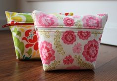 Sew Like My Mom Cosmetic Bag - Free Tutorial #sewing