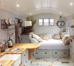 The Clover Tiny House on Wheels by Modern Tiny Living Tiny House Living, Small Living, Tiny Guest House, Living Room, Casa Loft, Bus House, Tiny Spaces, Tiny House Design, Small House Layout