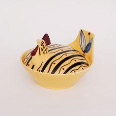 Handbeschilderde hen. Ontwerp: Inger Waage. Hens On Nest, Stavanger, Norway, Decorative Bowls, Modern Design, Easter, Retro, Antiques, Vintage