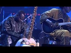 ▶ Ali Farka Touré & Toumani Diabaté - Debe live at Bozar - YouTube