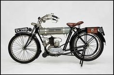 Auction Lot Monterey, CA The Barry Solomon Motorcycle Collection. Vintage Bikes, Vintage Motorcycles, Retro Bikes, Triumph Motorbikes, Triumph Motorcycles, Steampunk Airship, Motorcycle Museum, Cool Bikes, Ducati