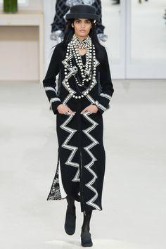Défilé Chanel Automne-Hiver 2016-2017 23