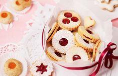 Linzer Augen mit Ribiselmarmelade Biscuits, Deserts, Goodies, Cookies, Baking, Freezer Paper, Missing Home, Rezepte, Crack Crackers