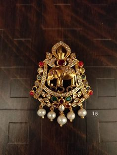 Gold Jewellery Design, Gold Jewelry, Antique Jewelry, Jewelery, Gold Necklace, Indian Wedding Jewelry, Indian Jewelry, Gold Pendent, Gold Hair Accessories
