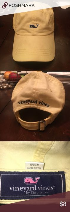 VINEYARD VINES HAT Hat is a little dirty but can easily cleaned with a quick wash. Pastel yellow and very fashionable for these last weeks of summer! This hat is very in right now! The price of this hat is already really low! Vineyard Vines Accessories Hats