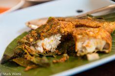 Huen Phen (ร้านเฮือนเพ็ญ) for Northern Thai Food in Chiang Mai - http://www.eatingthaifood.com/2014/07/northern-thai-food-huen-phen-restaurant-chiang-mai/