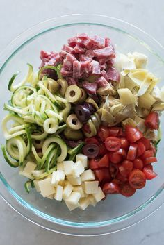 "Antipasto Zucchini Noodle Pasta Salad Spiralized zucchini makes this a naturally gluten free ""pasta salad\"" and it's loaded with all your Italian Zucchini Noodles Salad, Veggie Noodles, Anti Pasta Salads, Pasta Salad Recipes, Taco Salads, Antipasti Zucchini, Bbq, Spiralizer Recipes, Pasta Carbonara"