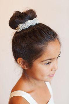 20 penteados super fofos para as daminhas de honra | Casar é um barato