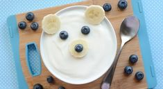 Polar Bear Yogurt Snack~What a cute winter treat! All you need is yogurt (can sub with dairy free yogurt or pudding), banana, and blueberries! Yummy for breakfast too.
