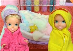 Anna and Elsa Bath Time Frozen Anna and Elsa Toddlers Visit Barbie's Day...