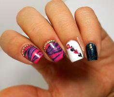 Skittlette nail art  http://melyne-nailart.com/2014/09/05/skittlette-bling-bling/
