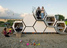 A group of designers from Belgium have presented a new solution for festival lovers to spend the night in a comfortable and relaxed way. Their modular B-AND-BEE sleeping cells are a cross-over between a Japanese-style capsule hotel and a campsite. Sleeping Pods, Shelter Design, Festivals Around The World, Festival Camping, Campsite, Outdoor Gear, Outdoor Camping, Camping Outdoors, Architecture Design
