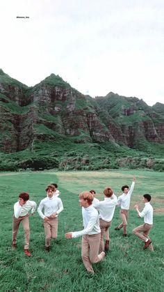 /Lockscreen/ collect by Baekhyun Chanyeol, Tao Exo, Park Chanyeol, Exo Lockscreen, Exo Group, Exo Korean, Exo Memes, Kpop, Photo Book