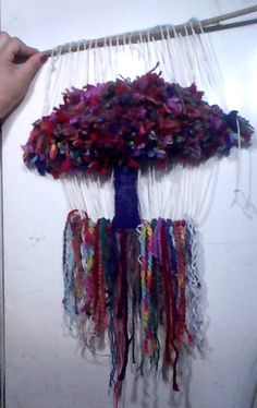 ARBOL EN TELAR Textile Design, Textile Art, Textiles, Tapestry Weaving, Fiber Art, Dream Catcher, Macrame, Decoupage, Knit Crochet