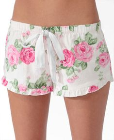 Scalloped Floral Pajama Shorts from Forever Saved to Wish List. Shop more products from Forever 21 on Wanelo. Satin Pyjama Set, Pajama Set, Latest Fashion For Women, Womens Fashion Online, Visual Kei, Pajamas For Teens, Pijamas Women, Tartan Pants, Cute Pjs