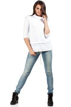 Biała bluza damska z trapezowym fasonem Grey, Pants, Fashion, Gray, Trouser Pants, Moda, Fashion Styles, Women's Pants, Women Pants