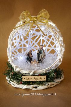Recycled Christmas Decorations, Christmas Crafts To Sell, Christmas Poems, Christmas Nativity Scene, Crochet Christmas Ornaments, Christmas Projects, Holiday Ornaments, Christmas Diy, Christmas Wreaths