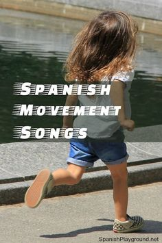 Sing and move to learn Spanish! Spanish movement songs to run, jump, dance, spin and learn! Kids play and sing with 5 songs to teach language the most effective way, with movement! Spanish Lessons For Kids, Preschool Spanish, Spanish Basics, Elementary Spanish, Spanish Activities, French Lessons, Spanish Games For Kids, Spanish Songs, How To Speak Spanish