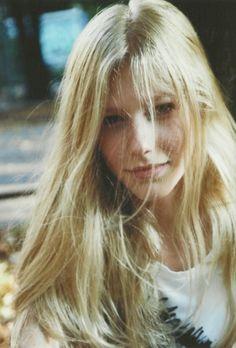 love her hair! Blonde Beauty, Blonde Hair, Hair Beauty, Frida Gustavsson, Edita Vilkeviciute, Toni Garrn, Natural Blondes, Portraits, Face Hair