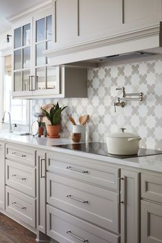 Kitchen Interior Design Remodeling The Copp House from Fixer Upper kitchen decor Grey Kitchen Cabinets, Kitchen Cabinet Colors, Kitchen Redo, Kitchen Layout, Home Decor Kitchen, Kitchen Styling, Interior Design Kitchen, Kitchen Ideas, Kitchen Modern