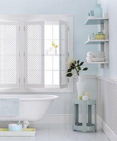 ♥ the lattice shutters & clawfoot tub