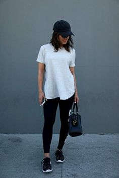 2ca457d37fb97 13 Ideas para usar leggings 24 7  ¡olvídate de los cambios de ropa durante  el día! Chica en pared ...