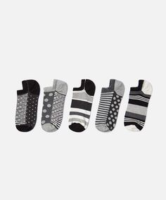3-pack of zigzag ankle socks - New In - Autumn Winter 2016 trends in women fashion at Oysho online. Lingerie, pyjamas, sportswear, shoes, accessories, body shapers, beachwear and swimsuits & bikinis.