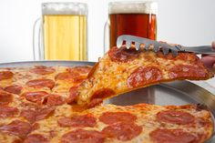Salami pizza & Beer, the best combo ever!!