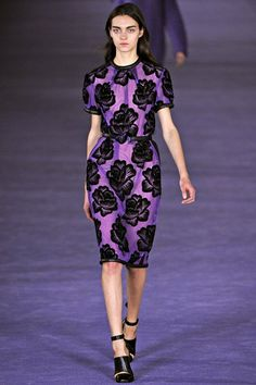 Very sophisticated and simplistic...Christoper Kane's violet floral design.  Yes, even I could wear these sleeves.