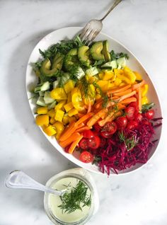 Rainbow Salad with Creamy Dill Dressing // what a gorgeous way to serve a healthy dinner #appetizer #cleaneating