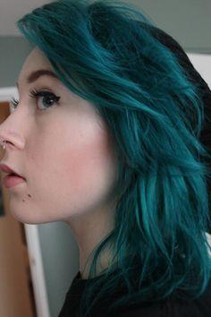 manic panic turquoise amplified